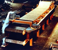 This flexible foaming conveyor manufactures carpet underlayment called rebond.
